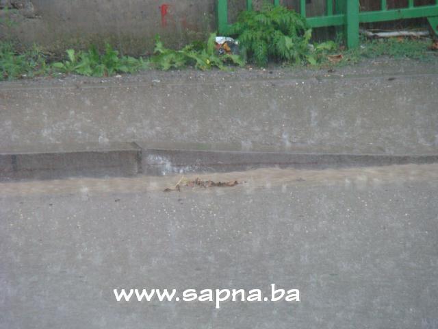 Pregedate slike iz članka: Malo kiše, malo leda